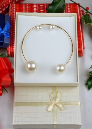 Gold And Pearl Statement bridal necklace